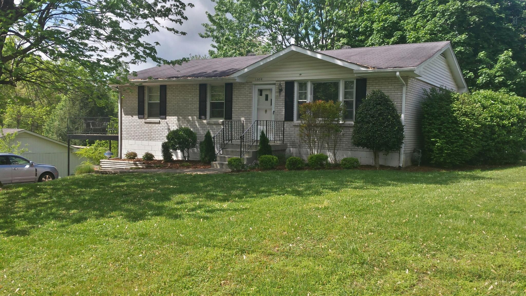 1008 Mayes Dr, Greenbrier, TN