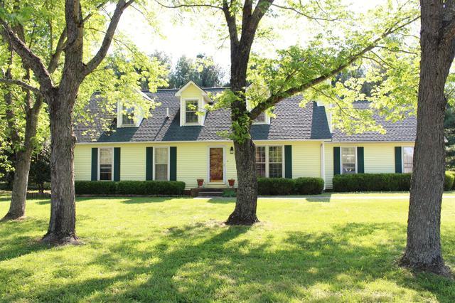 1825 Fox Camp Ct, Murfreesboro, TN