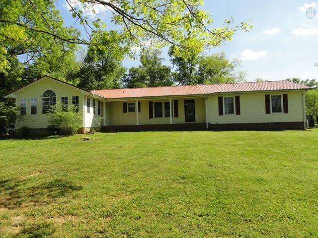 102 E C Arnold Ln, Shelbyville TN 37160