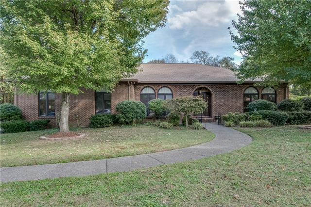 301 Willow Bough Ln, Old Hickory, TN