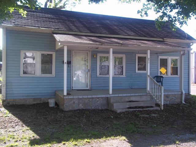 206 Melrose Ave, Waverly, TN