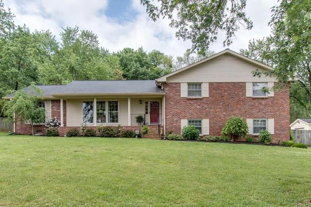 136 Country Club Dr, Hendersonville, TN