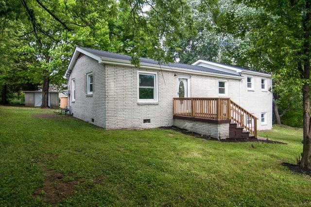 209 Cullum Ave, Dickson, TN