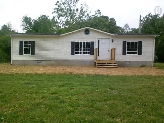 561 Poplar Ridge Rd, Chapmansboro, TN