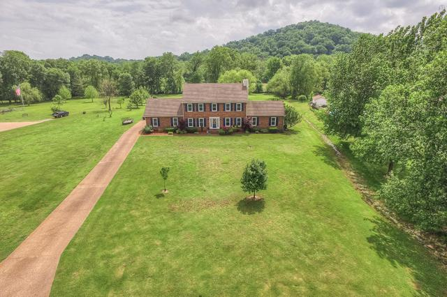 1030 Kendall Farms Dr, Hendersonville, TN