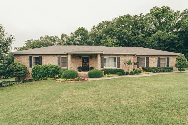 210 Northview Ct, Hendersonville TN 37075