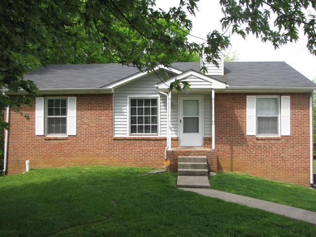 910 Ryan Dr, Clarksville, TN