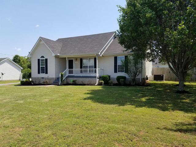 1126 Newberry Dr, Murfreesboro, TN