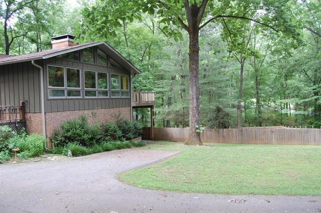 2419 Hidden Lake Cir, Columbia TN