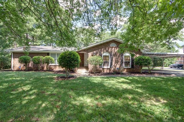 1310 Huntington Dr, Murfreesboro TN