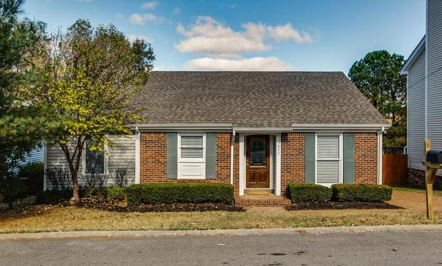 5033 English Village Dr, Nashville, TN 37211