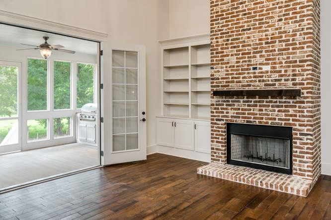where to plug in electric fireplace insert
