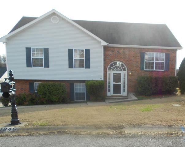 1846 Blackbird CtClarksville, TN 37040