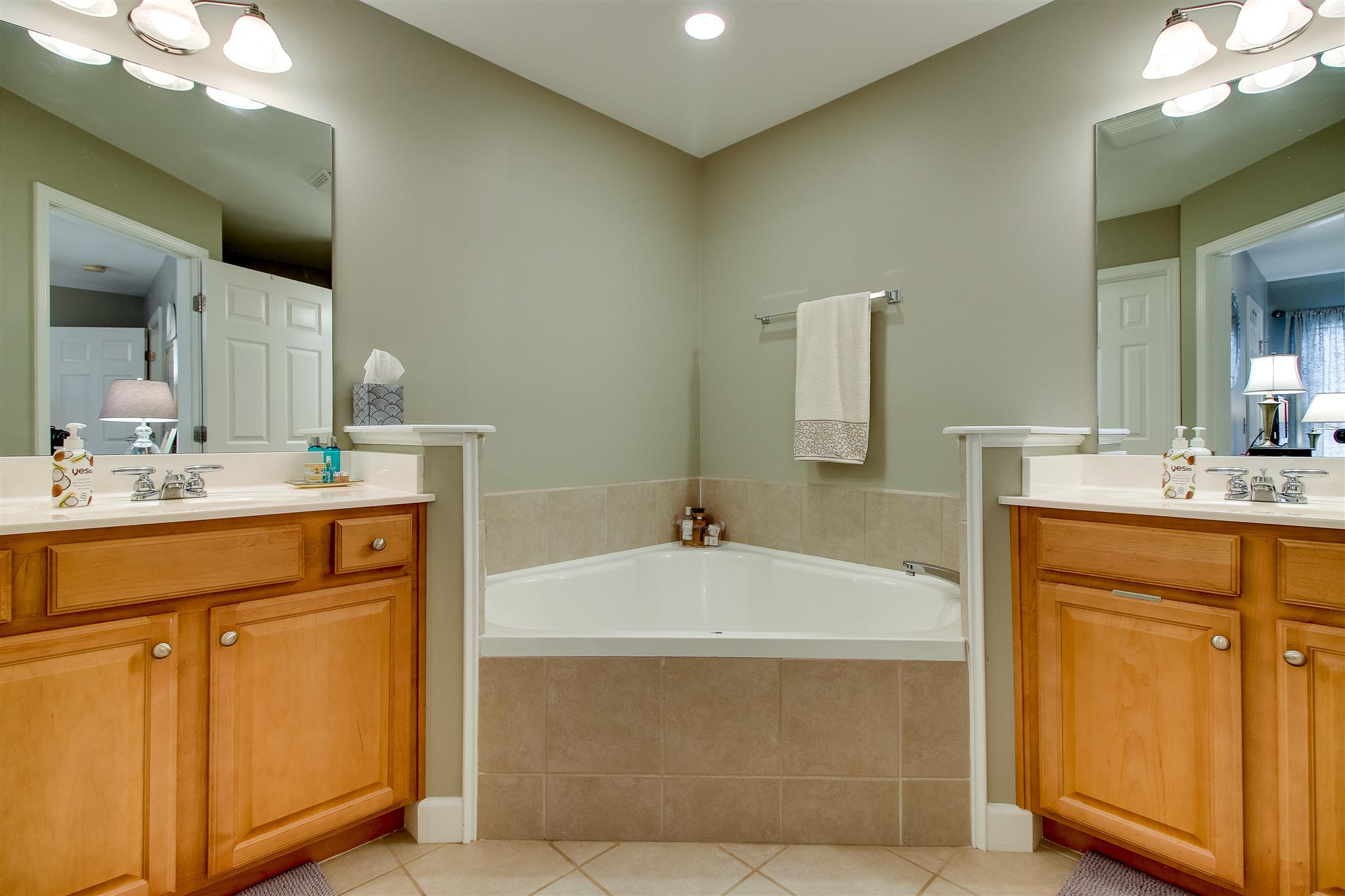 Bathroom Cabinets Nashville Tn 7814 heaton way, nashville, tn 37211 mls# 1800720 - movoto