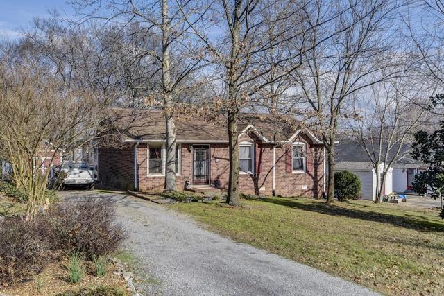 102 Oakwood CtHendersonville, TN 37075