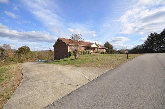 153 Valley View DrGordonsville, TN 38563