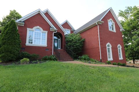 1002 Atchley CtHendersonville, TN 37075