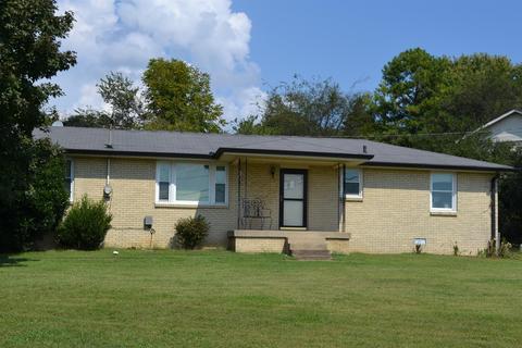 304 Ellen DrGoodlettsville, TN 37072