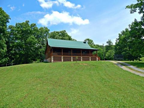 331 Academy DrFriendsville, TN 37737