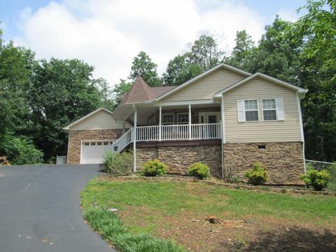 125 Coulter Shoals Cir, Lenoir City, TN 37772