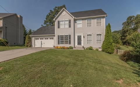 1905 Knoll Tree DrKnoxville, TN 37932