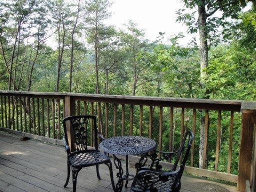 2038 Abbey Lane Way, Sevierville TN 37862