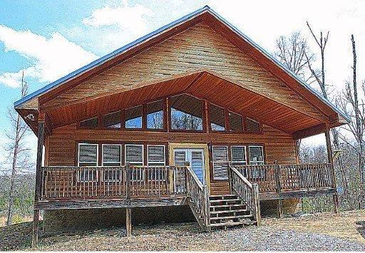 2552 Treehouse Ln, Sevierville TN 37876