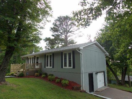 912 Pine St, Seymour TN 37865
