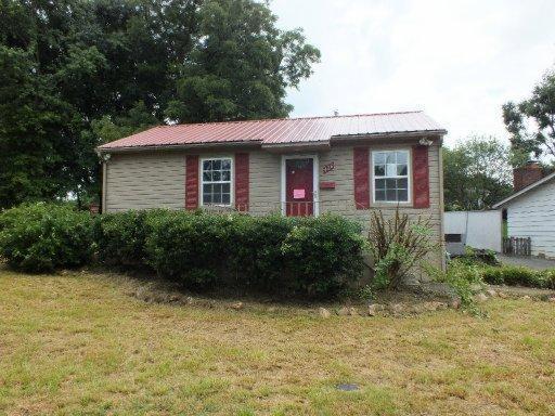 426 Main Rd, Maryville, TN 37804