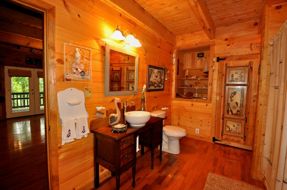 639 Dry Valley Rd, Townsend TN 37882