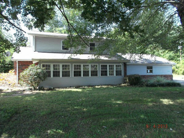 394 Old Federal Rd, Madisonville TN 37354