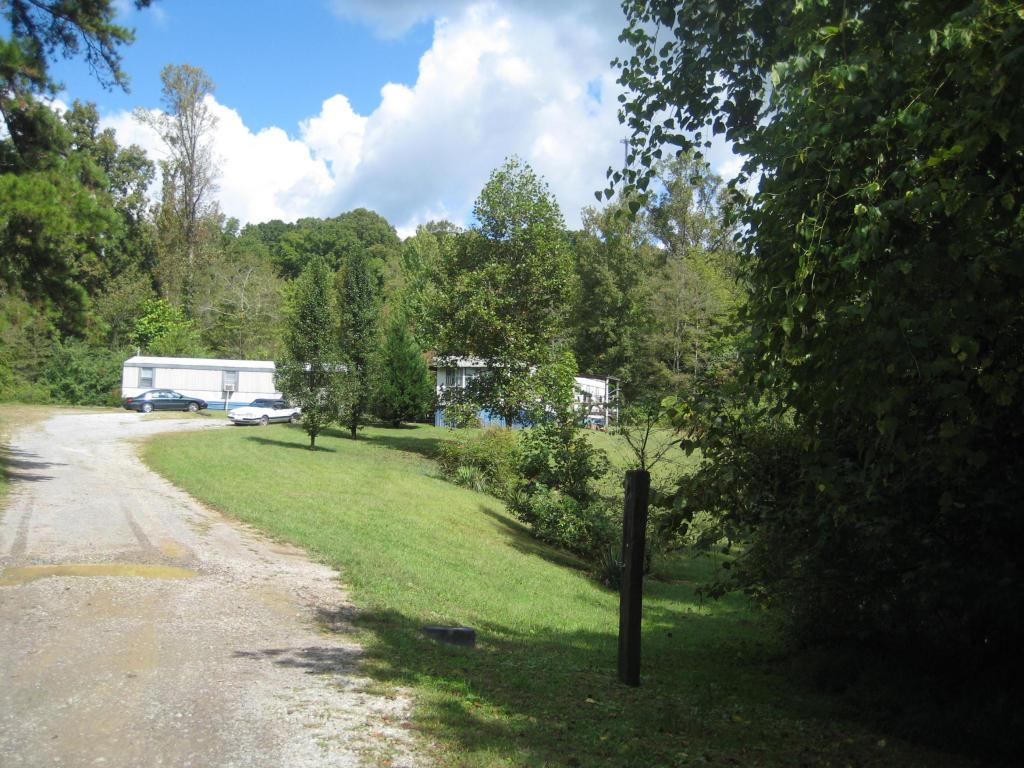 220-224 Smith Rd, Clinton, TN