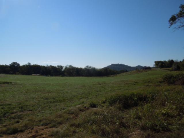 2115 Whites Bend Ln Gainesboro, TN 38562