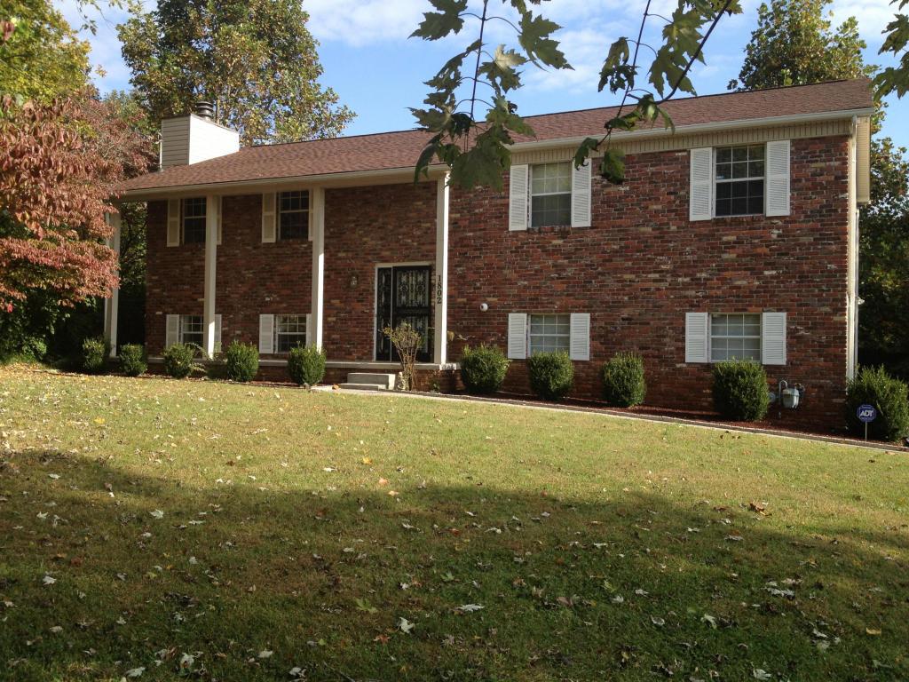 1802 Devonwood Ct, Knoxville, TN