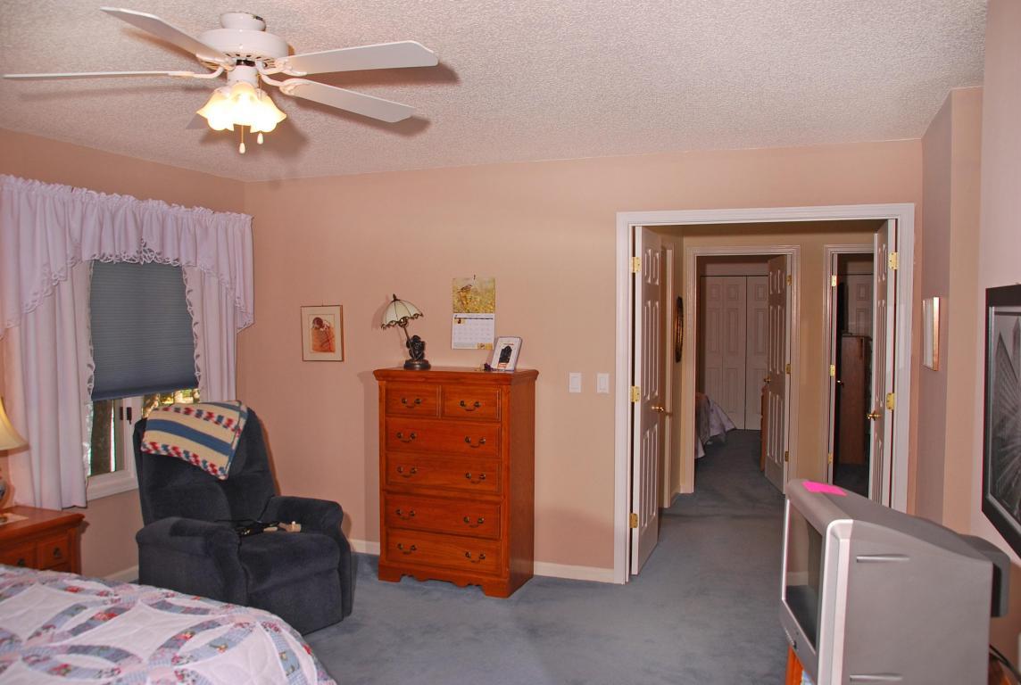 112 Huntington Dr Crossville, TN 38558