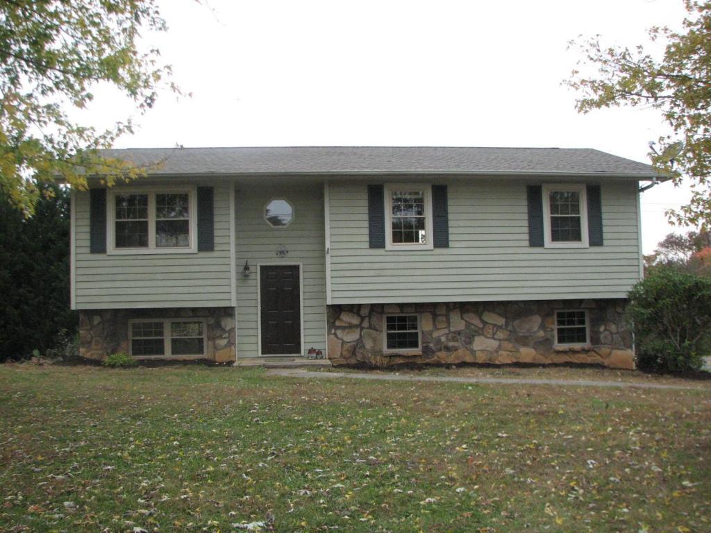 449 Water Oak Dr, Seymour, TN 37865
