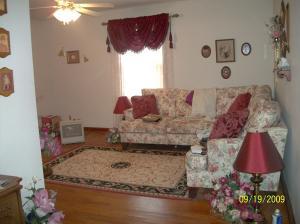 300 N Oak St, Greenback TN 37742