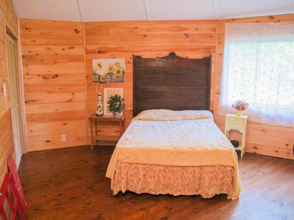 237 Tall Pine Cir, Tellico Plains TN 37385