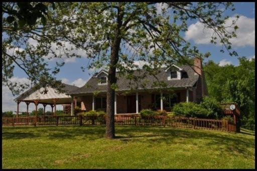 1754 Muddy Creek Rd, Dandridge, TN