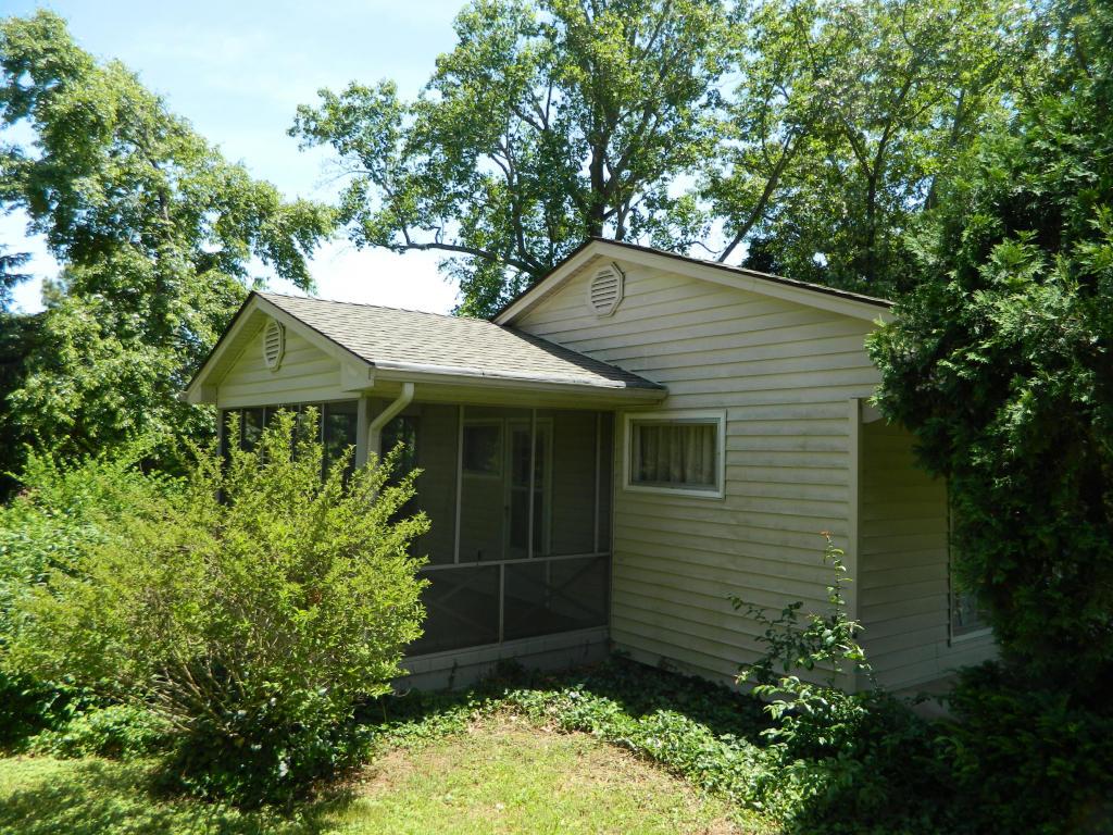 262 Iroquois Rd, Oak Ridge TN 37830
