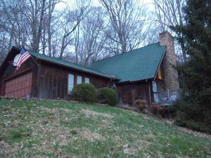 102 Trevecca Ln, Oak Ridge, TN