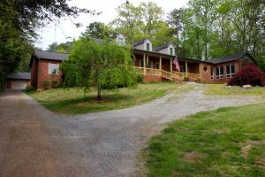 3110 Roy Hancock Rd, Maryville, TN