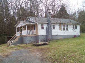130 Riverview Dr, Loudon, TN