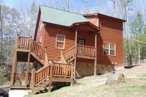 645 Crescent Dr, Gatlinburg, TN
