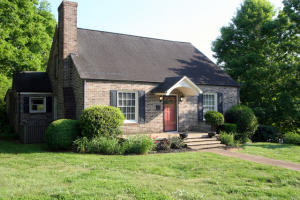 317 S High St, Sweetwater, TN