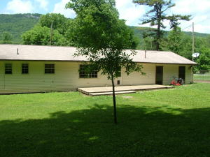 511 Old Valley Rd, Harriman TN 37748