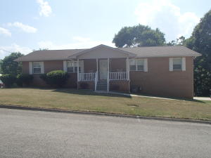 8229 Cricket Rd, Powell, TN