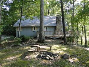 520 Laurel Lake Cir, Madisonville, TN