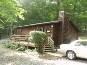 681 Laurel Lake Cir, Madisonville, TN