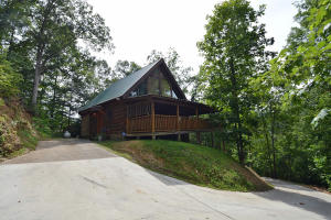 3823 Dollys Dr, Sevierville, TN